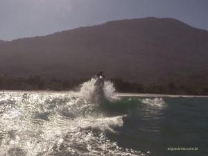 teste-hidrodinamico-esquiando