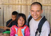 Criança da tribo Lisu - norte da Tailândia