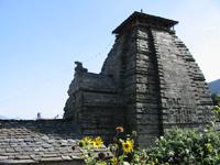 Templo medieval em Gopeshwar