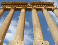 Impressionantes colunas de 22 metros de altura Ruínas de Baalbek - Líbano